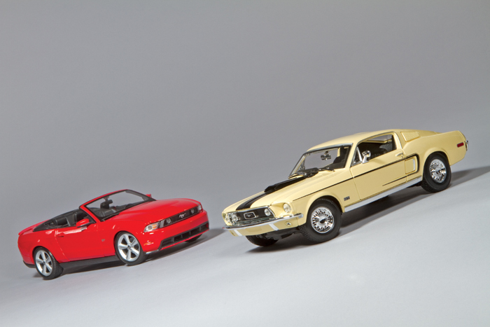 Maisto \'69 and \'10 Mustang GT 1:18 scale