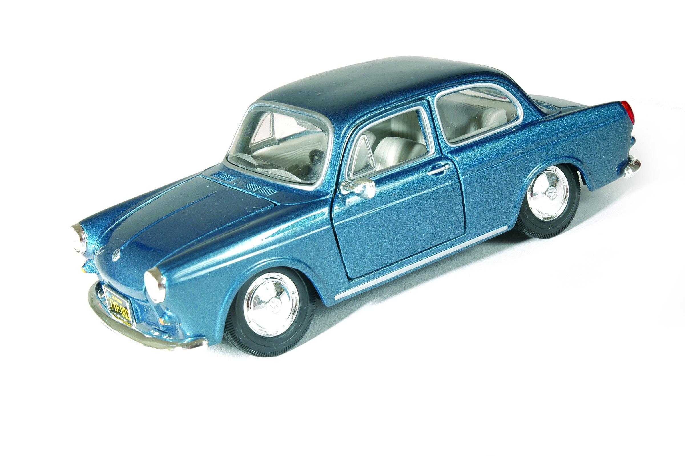 MAISTO 1964 Volkswagen 1600 Notchback