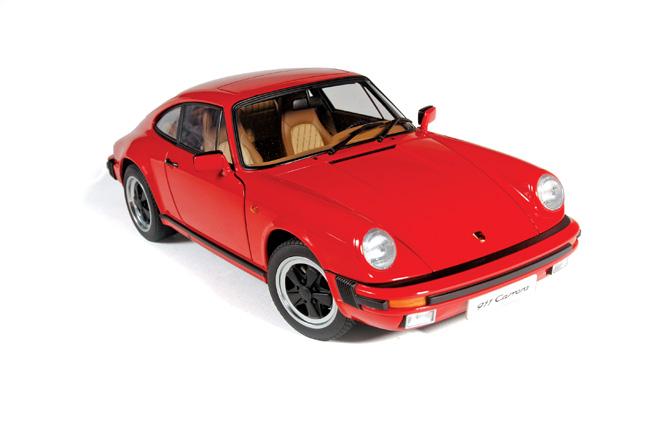AUTOART Porsche 911 Carrera & 944 Turbo