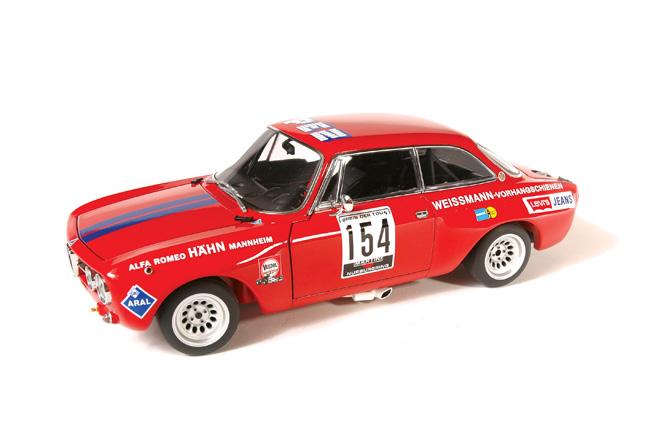 AUTOART 1971 Alfa Romeo GT Am