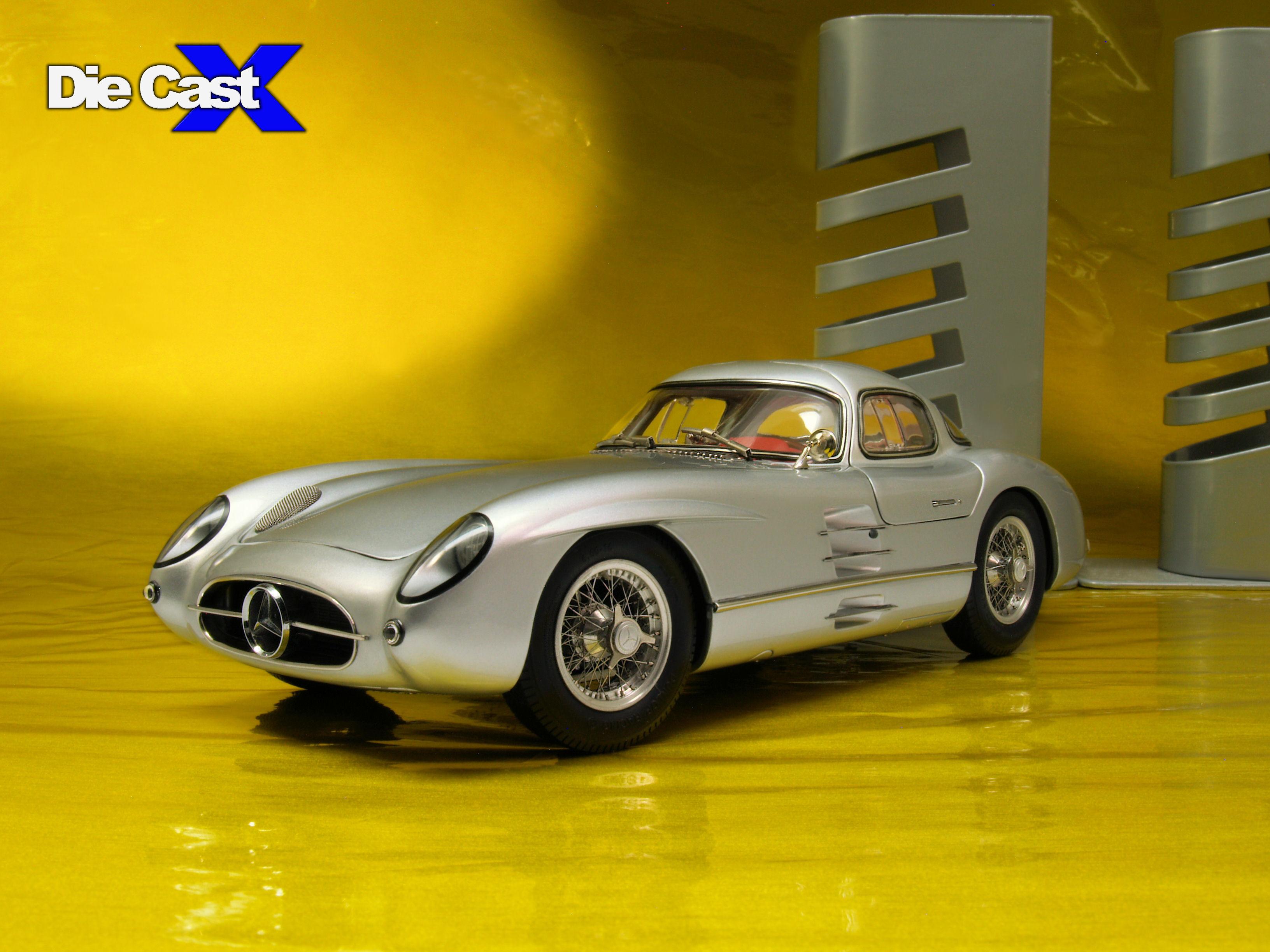 "CMC 1:18 Mercedes 300SLR ""Uhlenhaut"" Coupe (Original Release)"