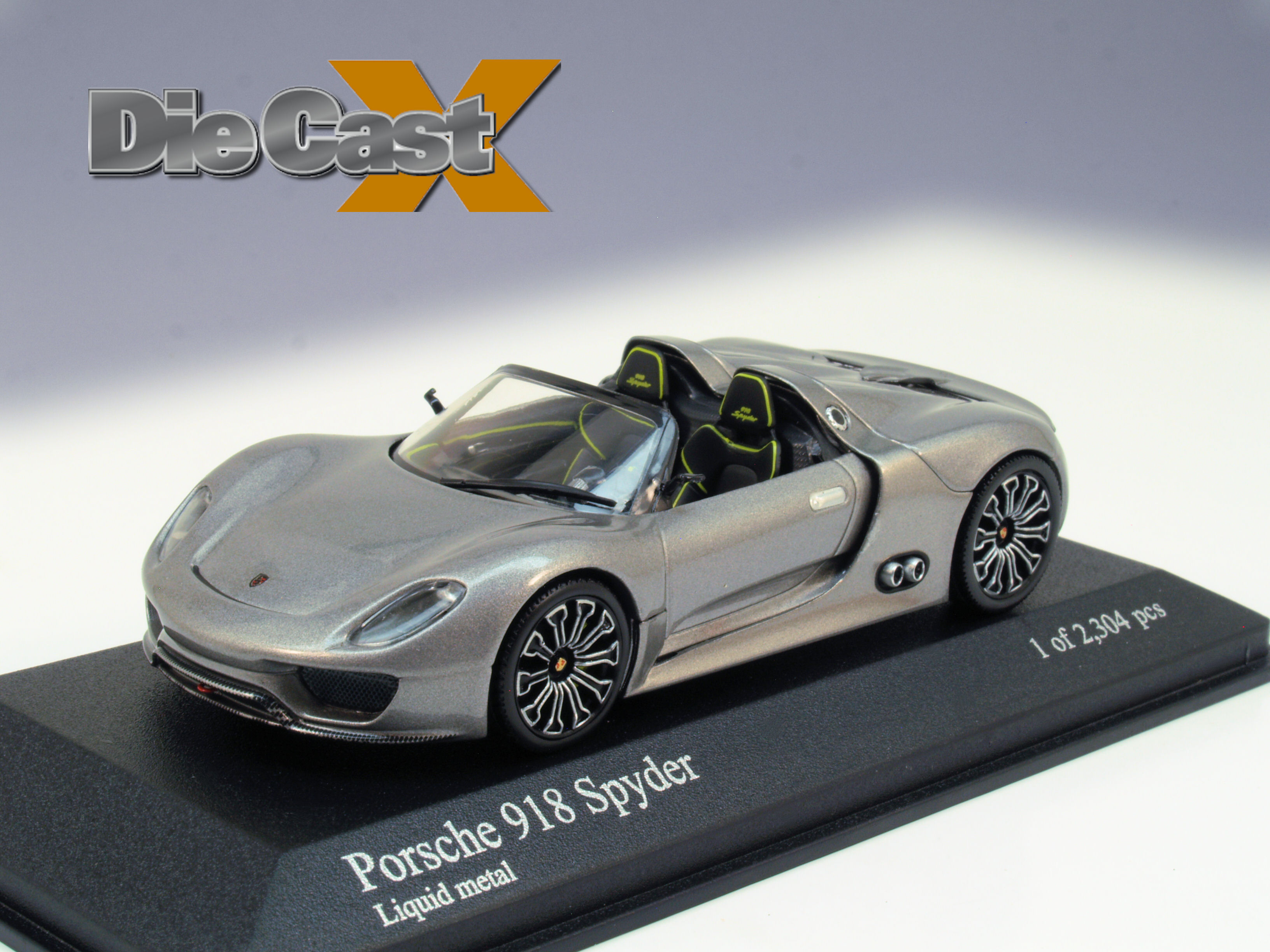 Minichamps 1:43 Porsche 918 Spyder: Electric Slide
