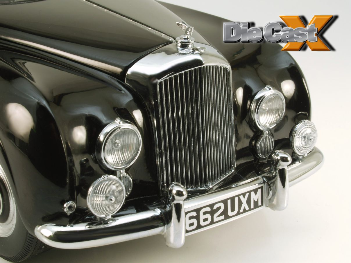 FIRST LOOK! Minichamps 1:18 1954 Bentley R-Type Continental