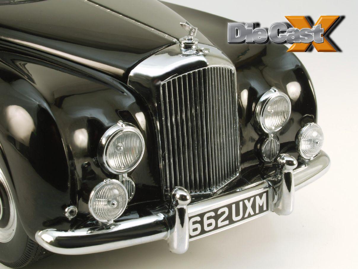FIRST LOOK! Minichamps 1:18 1954 Bentley R-Type Continental