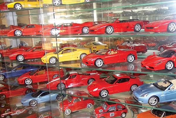 Share Your Collection with Die Cast X