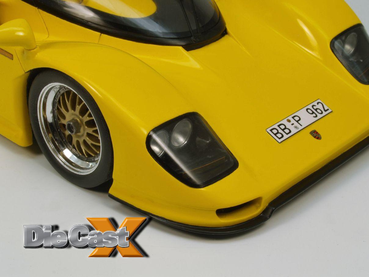 BONUS PHOTOS: Spark 1:18 Dauer 962 Le Mans