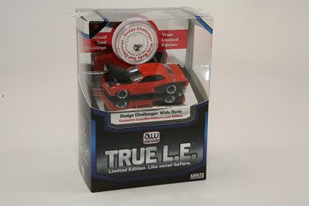 Auto World 1:64  True L.E.