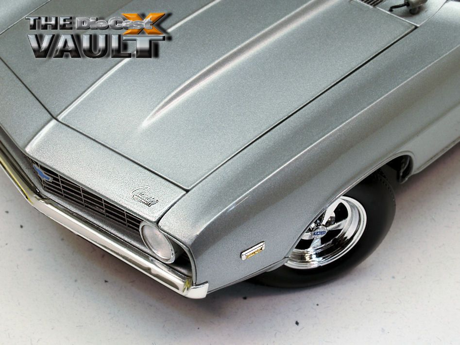 "AUTO REWIND: Supercar Collectibles' 1:18 ""Super Street"" 1969 Camaros"