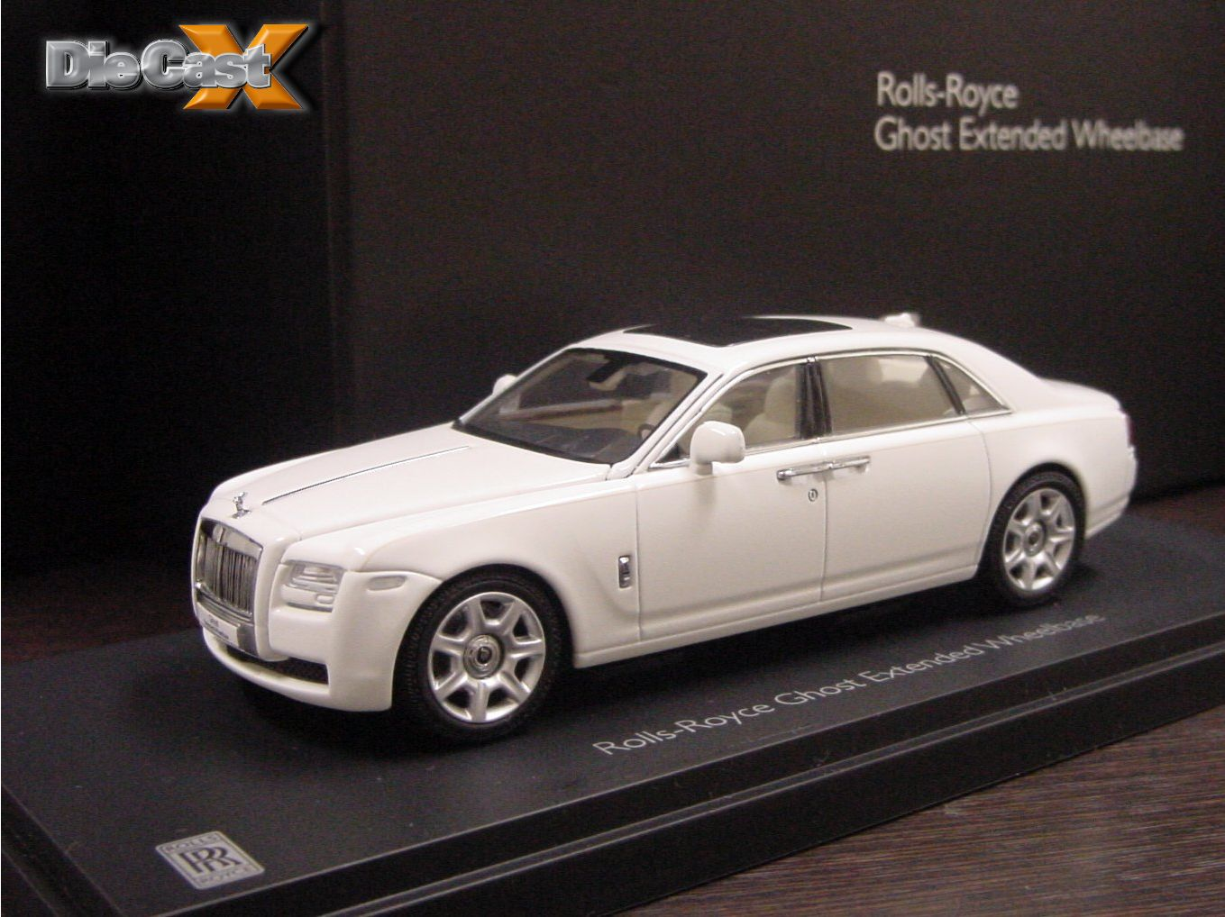 Ghost Hunting: Kyosho Announces 1:43 Rolls-Royce Ghost Extended Wheelbase Cars