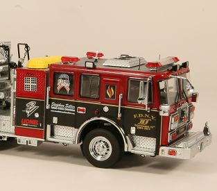 Thank you Stephen Siller : TWH / Diecast Models Seagrave Tractor