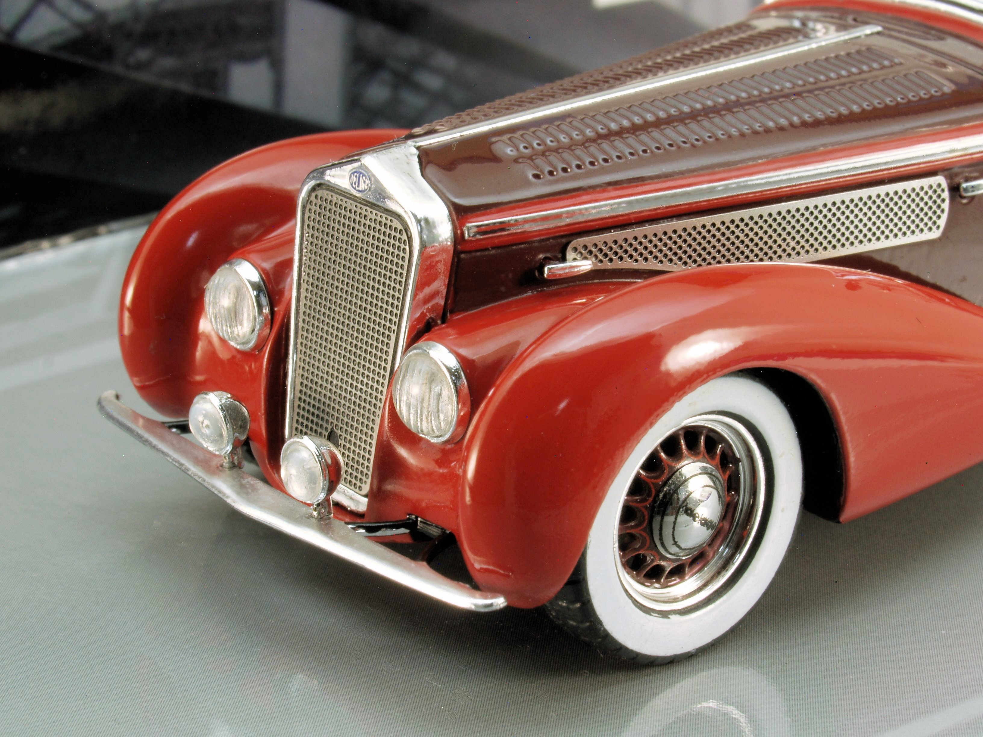 "FIRST SAMPLES: Minichamps 1:43 ""Mullin Museum"" 1939 Delage D8-120 Cabrio"