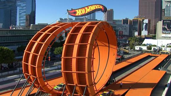 Hot Wheels' Drivers break Guinness World Record – Double Vertical Loop at 2012 X Games