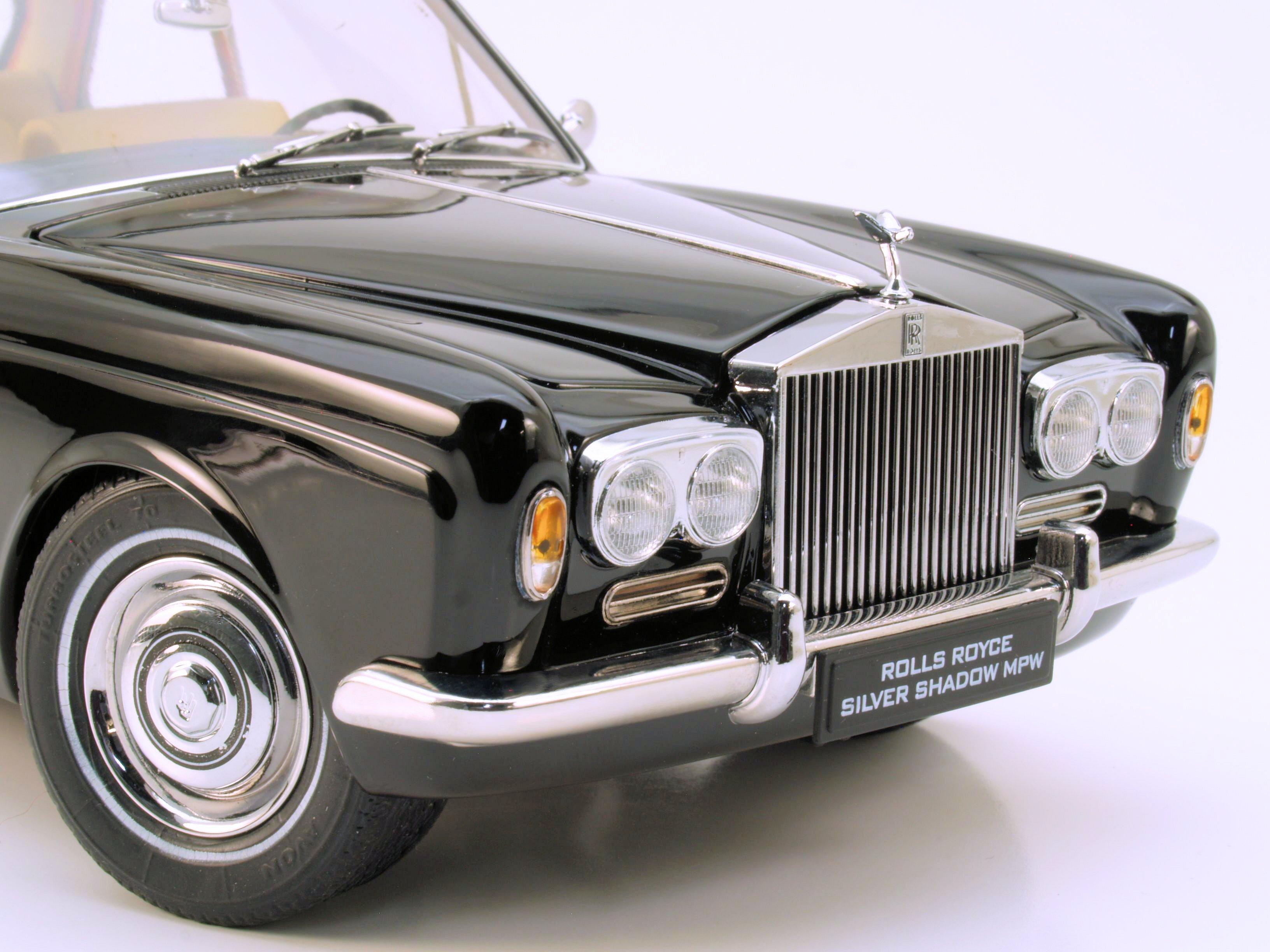 Bonus Photos / Snap Review: Paragon 1:18 1968 Rolls-Royce Mulliner Park Ward Coupe