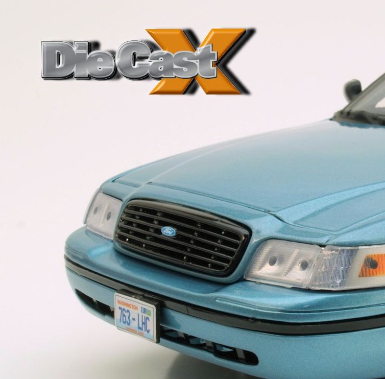 "Stake Out: GreenLight's 1:18 ""Twilight"" Ford Crown Vic"