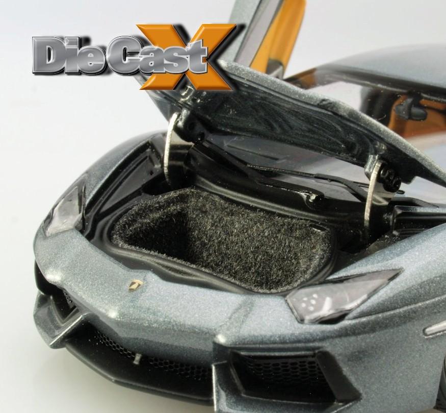 AUTOart 1:43 Lamborghini Aventador: Little Lamb-O