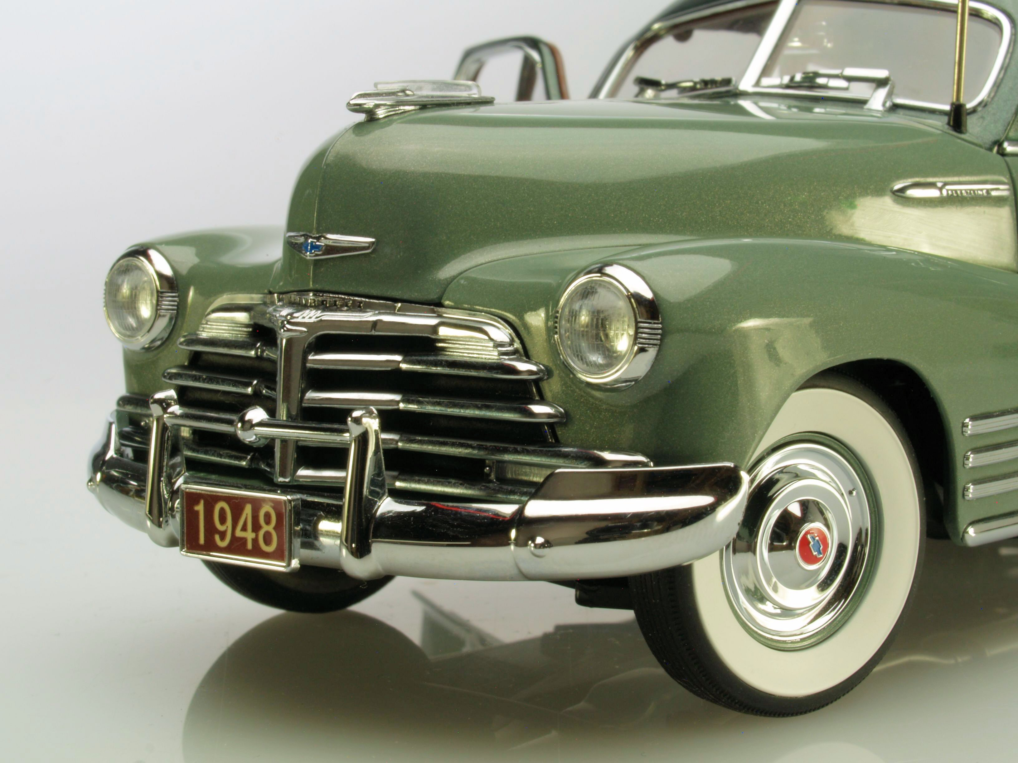 "NEW VIDEO! Danbury Mint 1:24 1948 Chevrolet ""Aerosedan"""