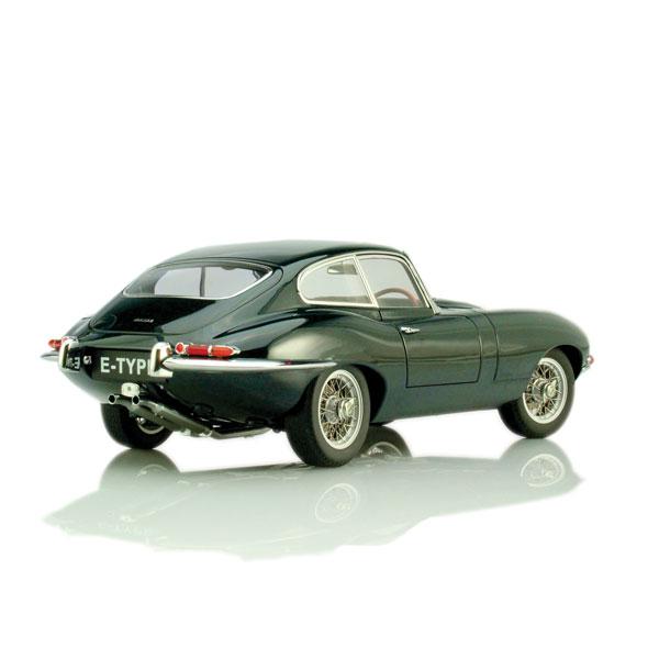 1966 Jaguar Xke Convertible: AUTOart 1961 Jaguar E-Type