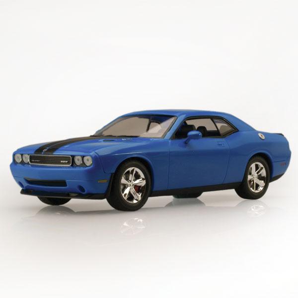 Auto World Dodge Challenger SRT8