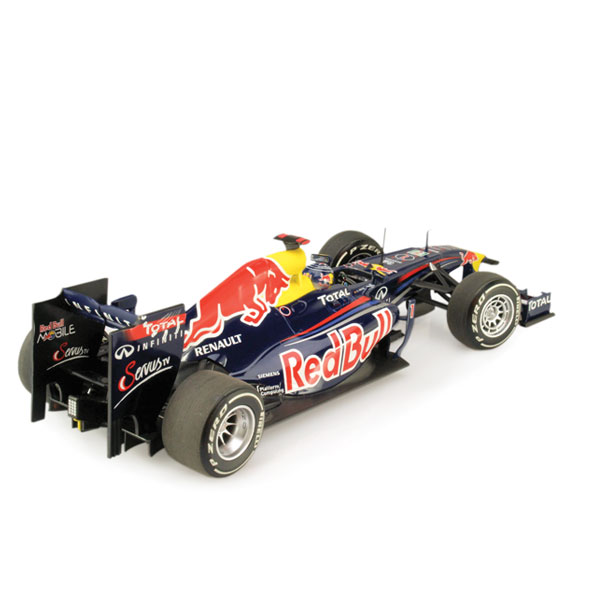 "Minichamps ""Red Bull"" Renault RB7  ""S. Vettel Japan GP"""
