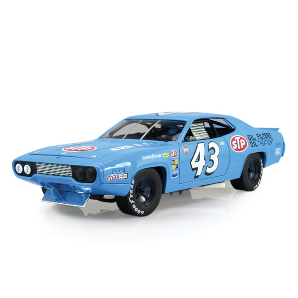 Auto World Richard Petty 1972 Roadrunner