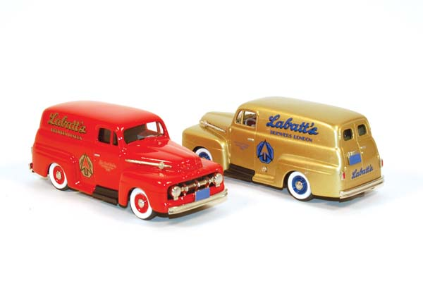 Showroom, Brooklin 1:43 Ford F1 Panel Van