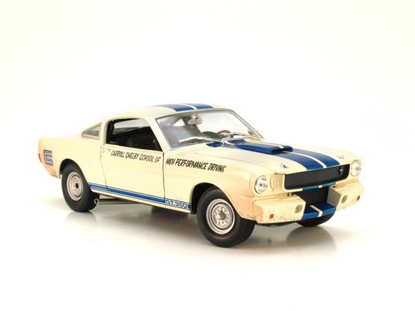 Showroom, M2 Machines 1:24 1965 Shelby GT350