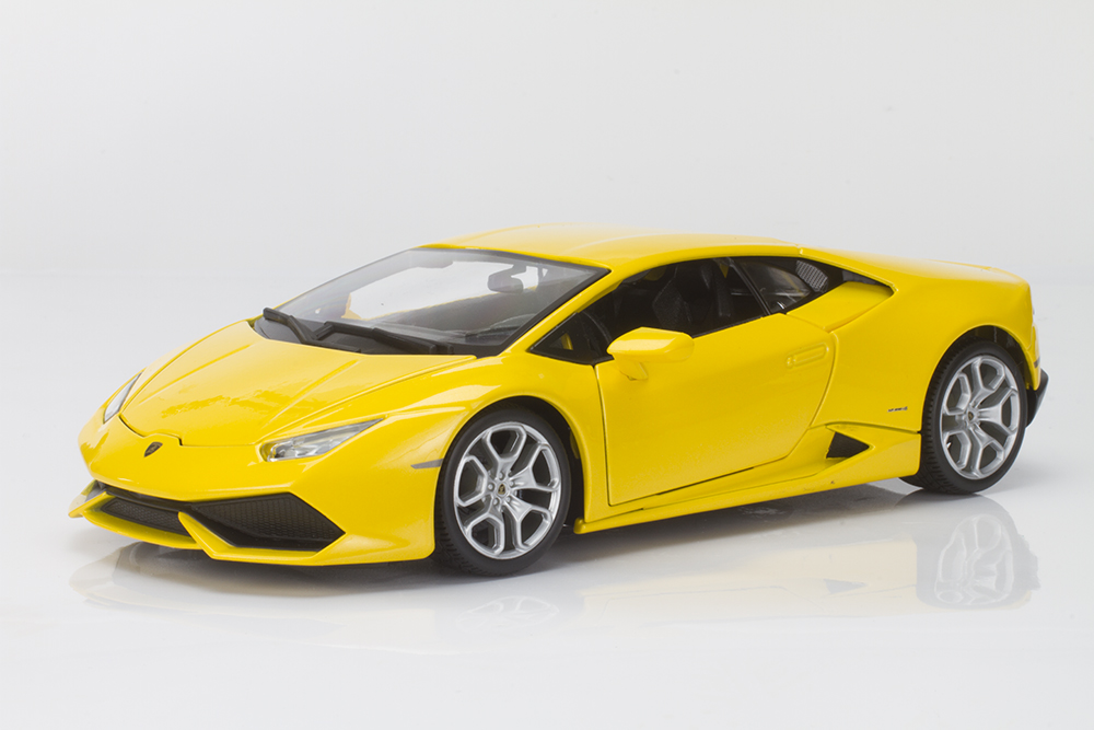 The Baby Lambo Grows Up: Bburago's Lamborghini Huracán LP 610-4