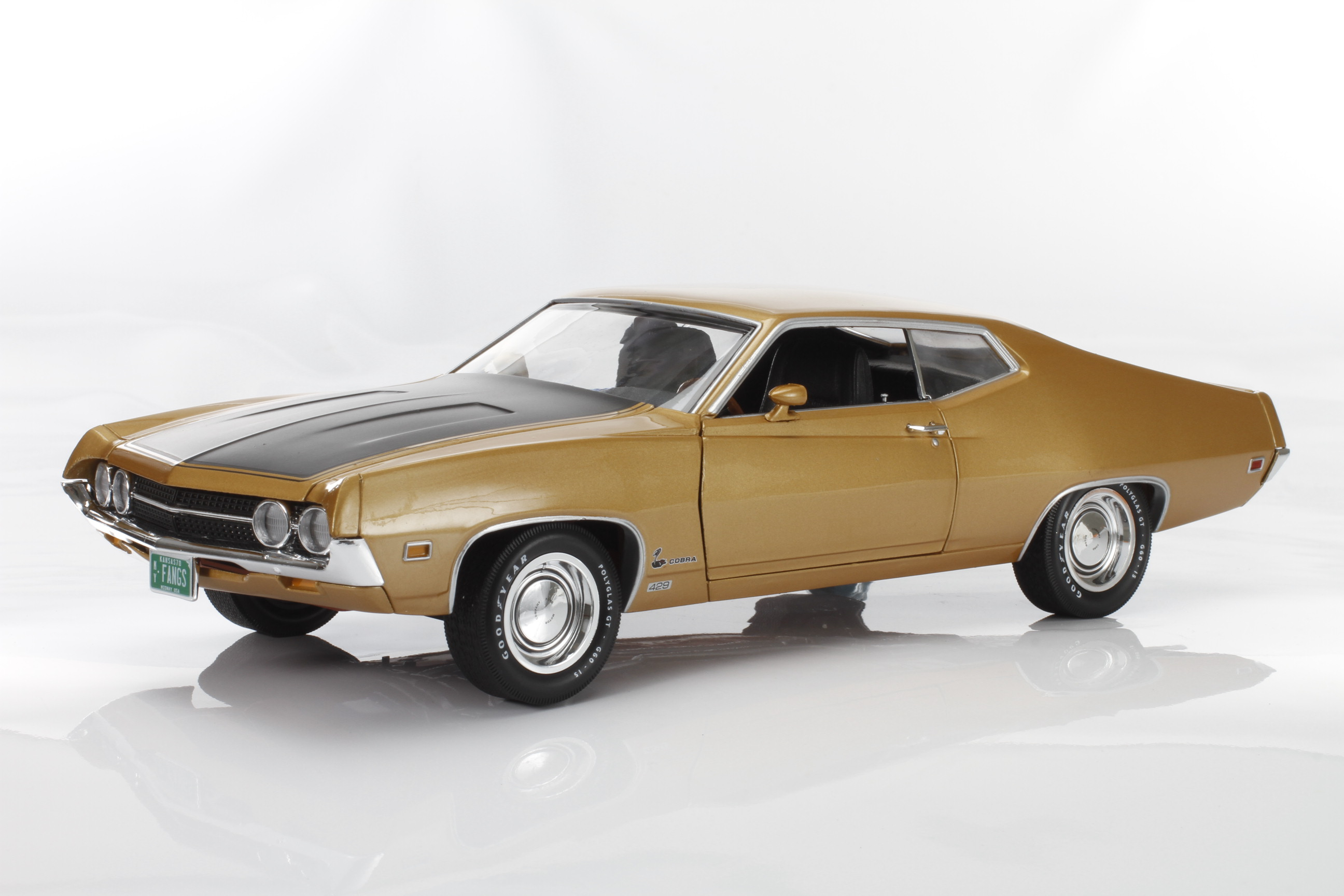 AutoWorld 1970 Ford Torino Cobra, Fanged Fastback!  — Online Exclusive