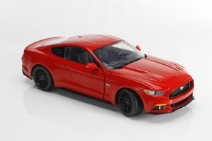 Auto World, Mustang, diecast, replica, GT, 5.0, 2015, 1:18