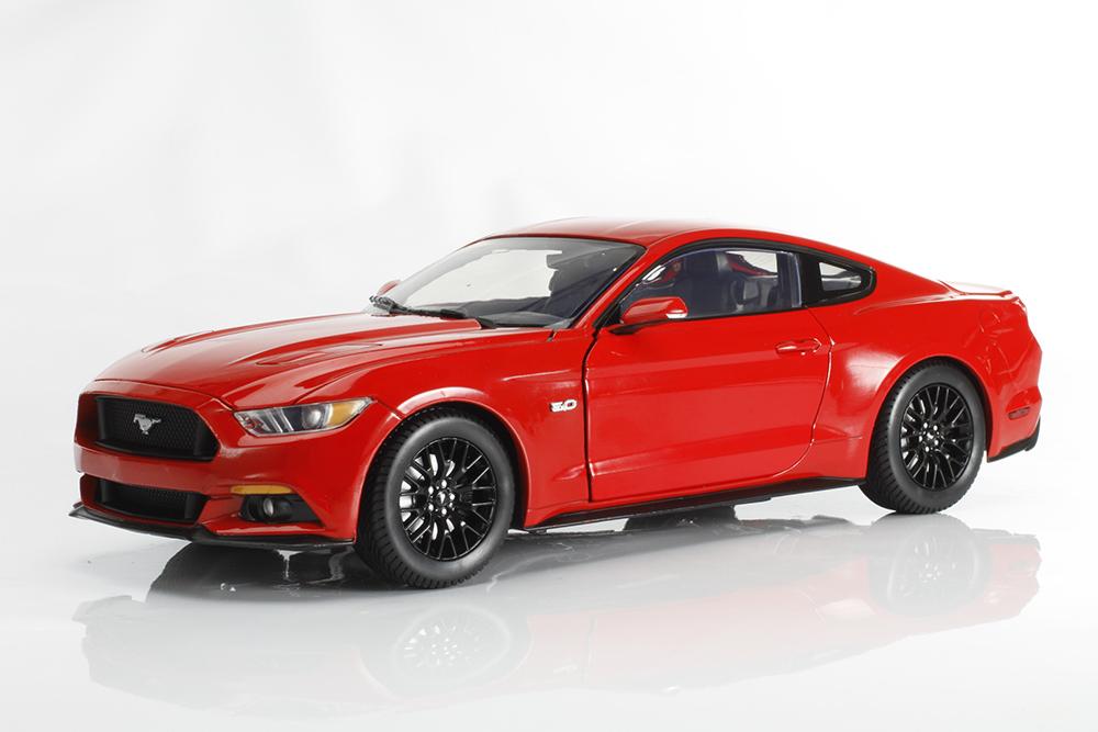 Auto World, Mustang, diecast, replica, GT, 5.0, 2015, 1:18