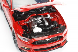 Auto World, Mustang, diecast, replica, GT, 5.0, 2015, 1:18, engine