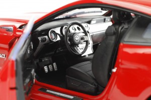 Auto World, Mustang, diecast, replica, GT, 5.0, 2015, 1:18, interior