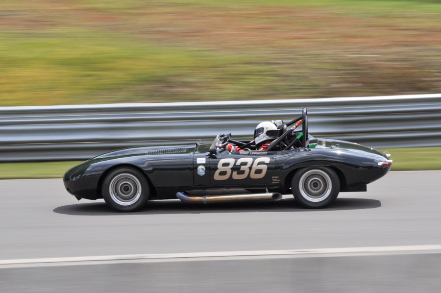 Jaguar_E-Type_Mont-Tremblant_cc