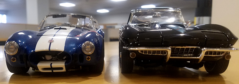 Diecast Muscle Car, 1:18 Collectible, Shelby Cobra, Chevy, Corvette, big-block
