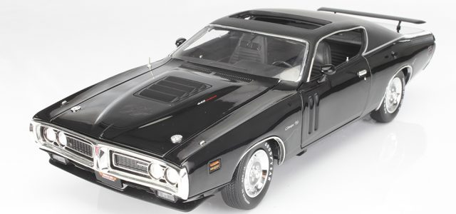 Exclusive Review: Auto World 1971 Dodge Charger R/T