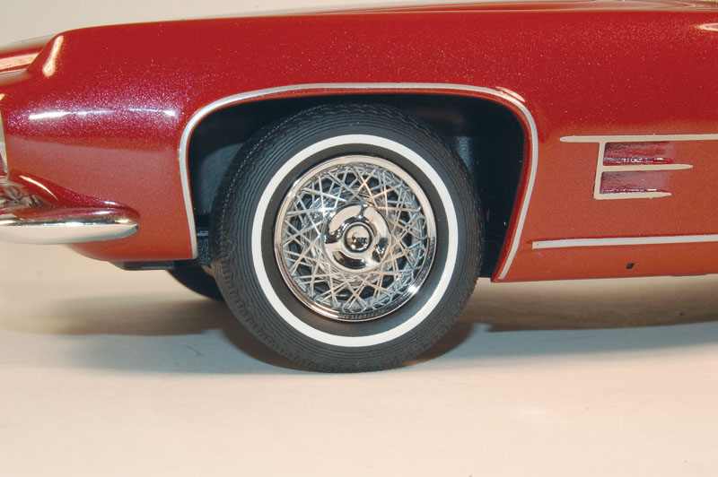 Diecast 1:18 - 1961–62 Ghia 6.4L - Tires