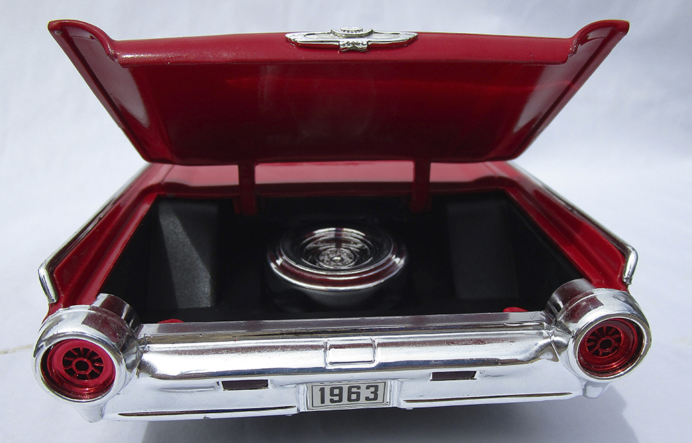 Diecast Model, 1:18 Diecast, 1/18, Diecast Replica, Classic, Thunderbird, T-Bird, Collectible