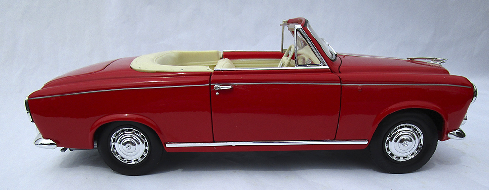 Diecast Model, 1:18 Diecast, Columbo, Peugeot 403, cabriolet, Welly, diecast, 1/18, 1:18, collectible